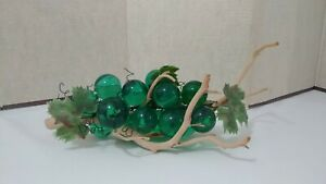 Vintage-Mid-Century-Green-Lucite-Acrylic-Grape-Cluster-On-Wood-W-leaves-16-long