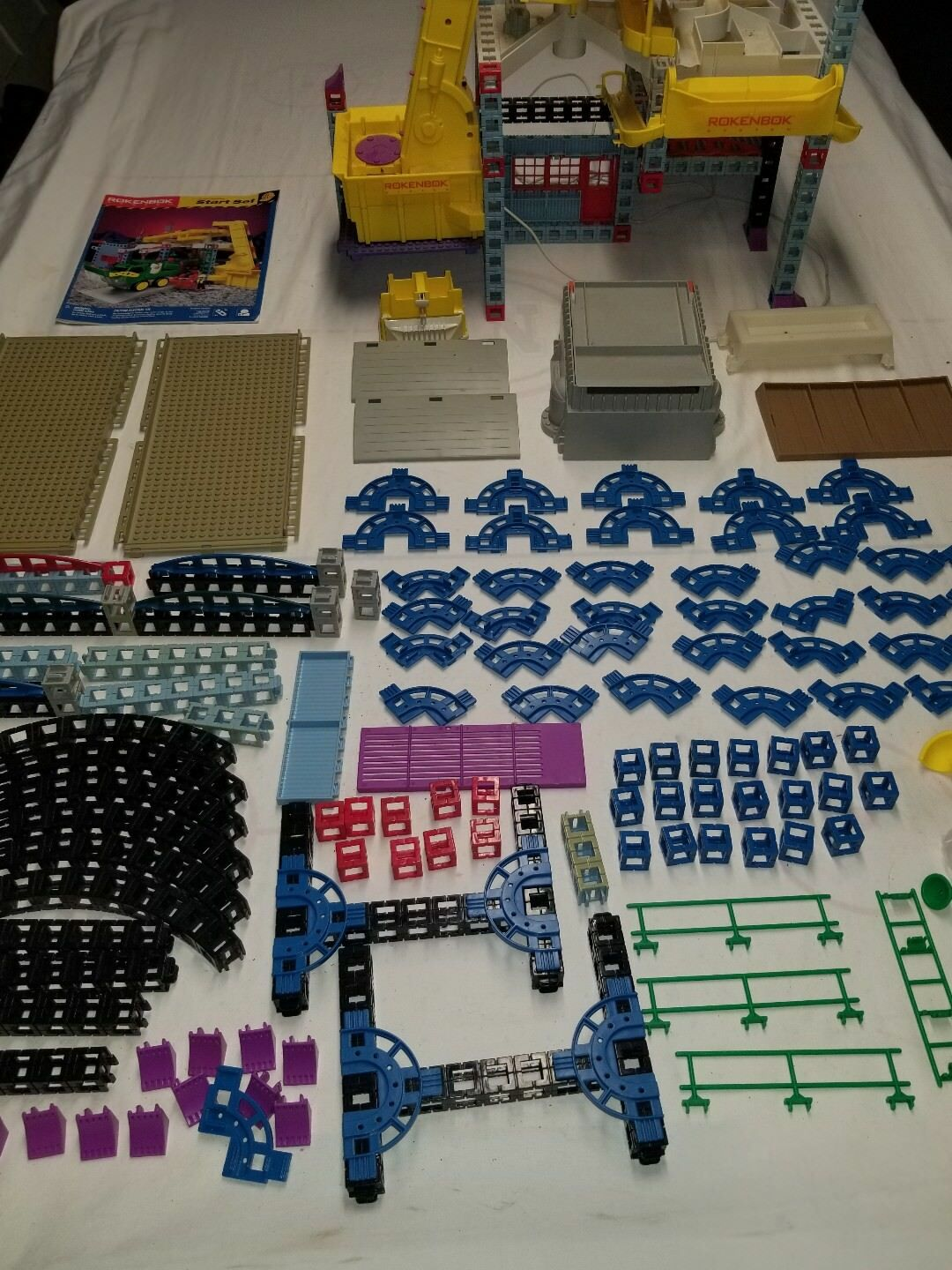 Huge Lot of Rokenbok Action Factory Pieces - From Action Factory Start Set