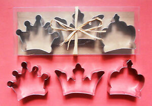3-034-Crown-baking-pastry-metal-stainless-steel-metal-cookie-cutter-set