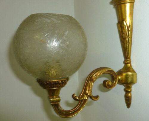 Jolie applique en bronze dore tulipe en verre epais n° bronze