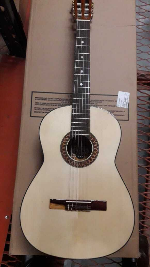 Diva by Paracho Classical Acoustic Guitar Hand Made in Mexico  One of a kind