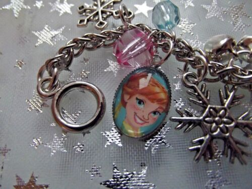 GIFT BOX FROZEN  ELSA AND ANNA CHARM BRACELET,SIZE 2 TO 4 YEARS BIRTHDAY PARTY