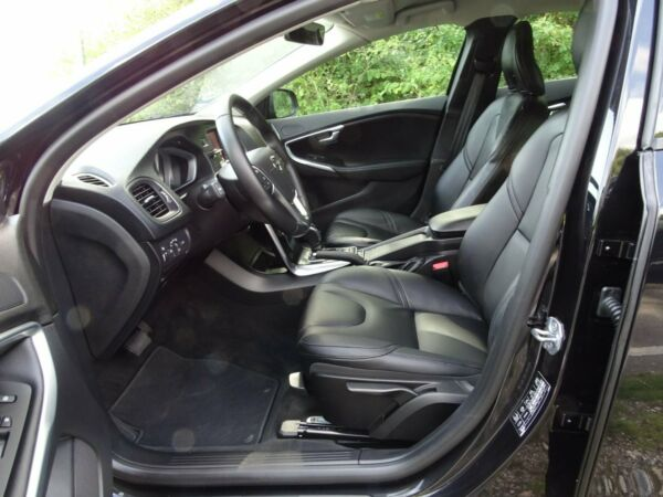 Volvo V40 2,0 D3 150 Momentum aut. - billede 4