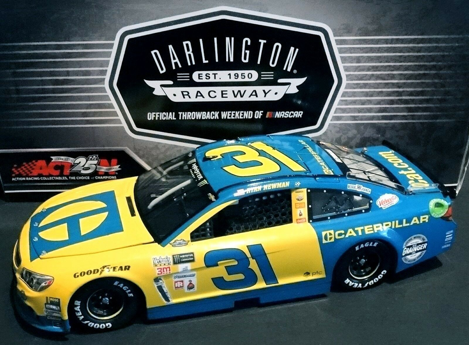 Ryan Newman Caterpillar 1 24 ARC EARNHARDT DARLINGTON 2017 Chevy SS 325 589