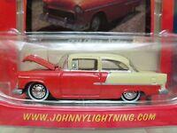 Johnny Lightning chevy Thunder 1955 Chevy Sedan - 1/64 Diecast