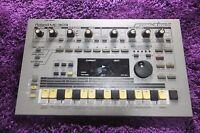 ROLAND Roland MC-303 Groovebox Drum Machine Synth  mc303  160811