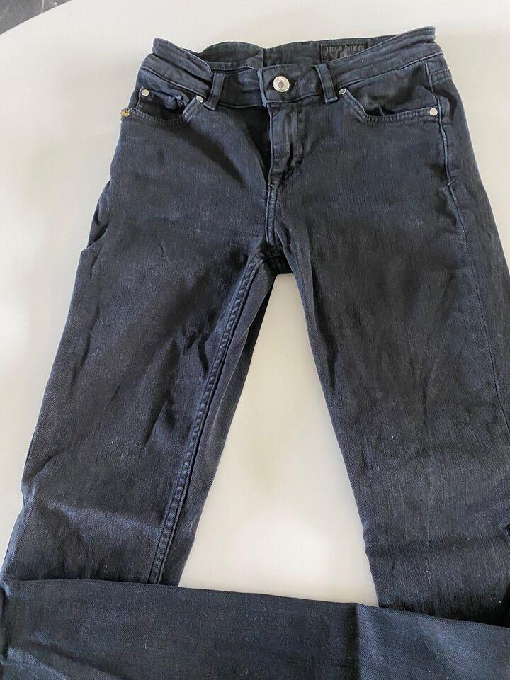 Jeans, Tiger of Sweden , str. 26