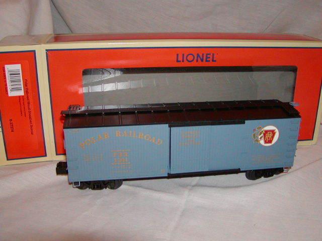 Lionel 6-27274 Polar Railroad Double Wood Sheathed O Boxcar Sitting Display