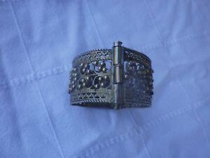 Ancien-Bracelet-Oriental-Fermeture-a-tige