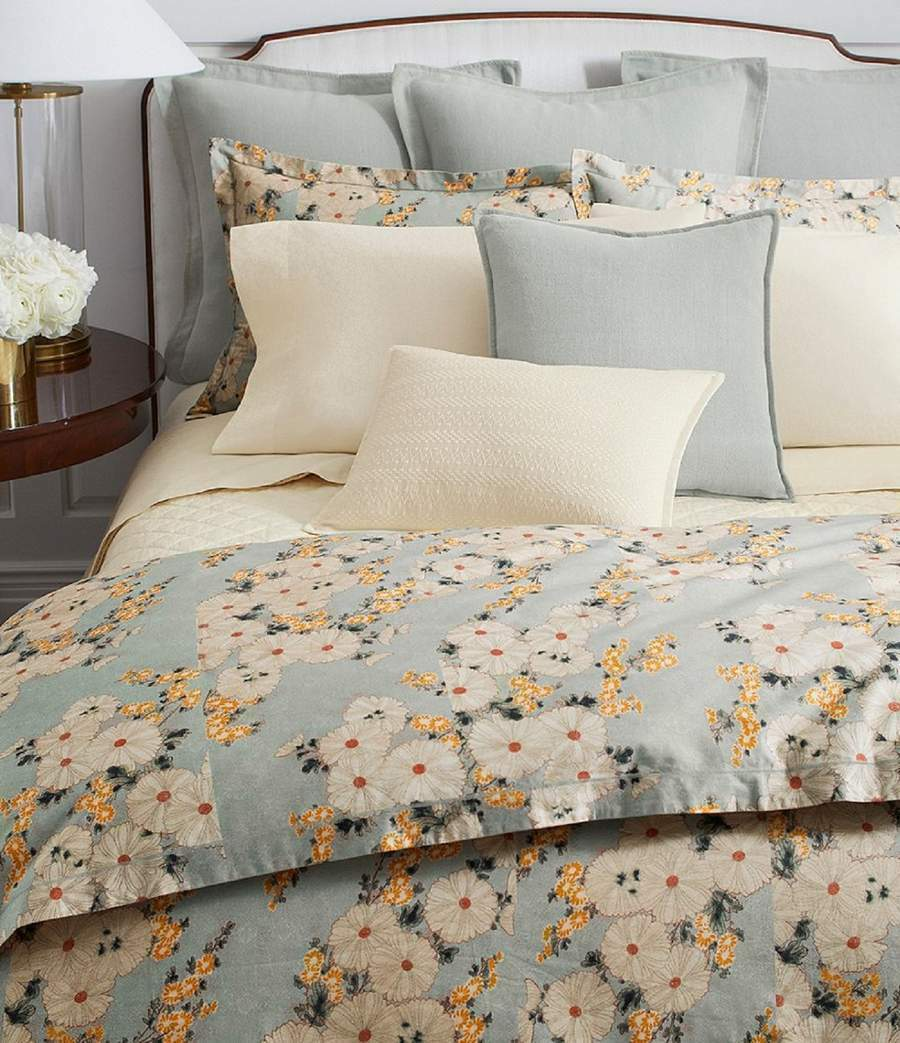 2 Rare Ralph Lauren Cassie Tallie Cream Floral King Pillowcases