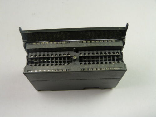 Siemens 6ES7-322-1BL00-0AA0 Output Module 32-Point Digital .5Amp 24 VDC  USED