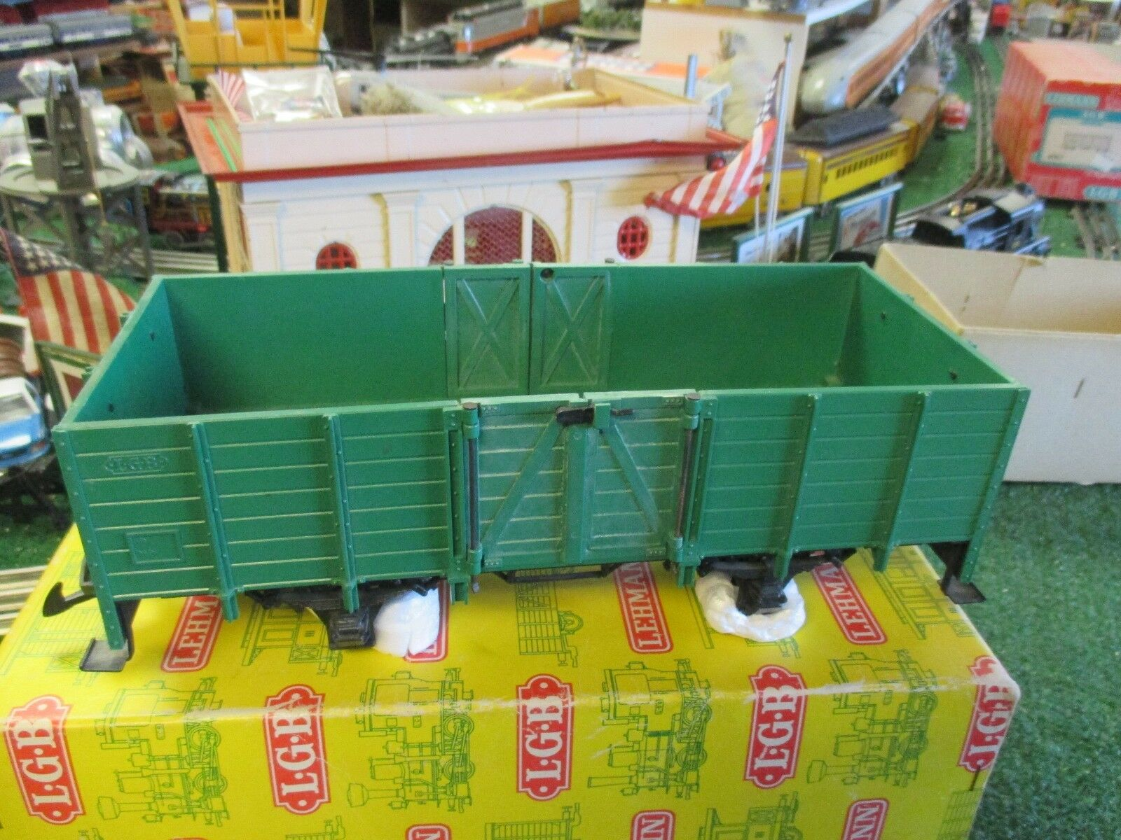 LGB  4021 GREEN HIGH SIDED GONDOLA  C8L N  1972-75  IN BOX   NO MARKINGS