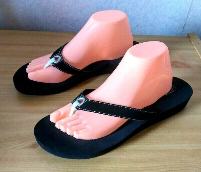 Ann Taylor LOFT Womens  Black Sandals Flip Flops Size 10 B