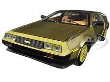 1981 DE LOREAN DMC 12 COUPE GOLD EDITION 1:18 DIECAST MODEL CAR BY SUNSTAR 2702