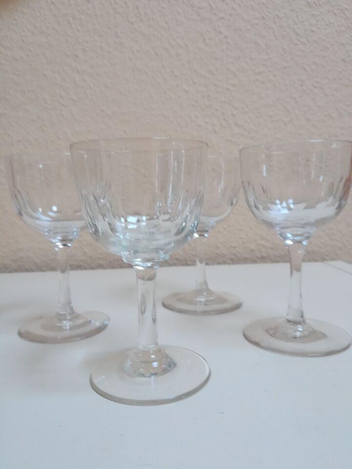 Glas, Hvidvin, Derby/Minna Holmegaard