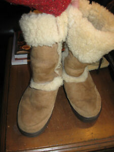 3a9c9afd939333 PLEASE READ! Womens UGGS Winter Boots-Sundance II- 5325-Suede and ...