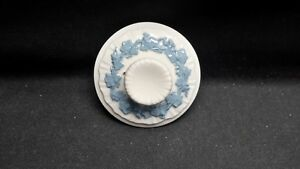 Wedgwood-Lavender-on-Cream-Color-Shell-Edge-Coffee-Pot-Lid-Lid-Only