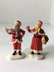 Lemax Christmas Village Collection Mr & Mrs Santa Claus 92335 92334 Retired LOT