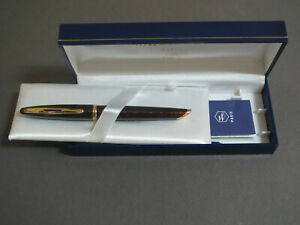 Waterman-Carene-Fountain-Pen-Dark-Red-Lacquer-Gilt-18K-Solid-Gold-Nib-New-In-Box
