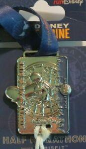 Disney Pin WDW runDisney *Wine /& Dine* 10K Replica Medal 2017 Chef Mickey!