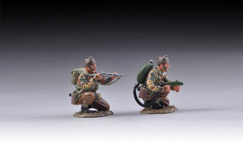 COMM008 Commando Flamethrower Team by Thomas Gunn Miniatures