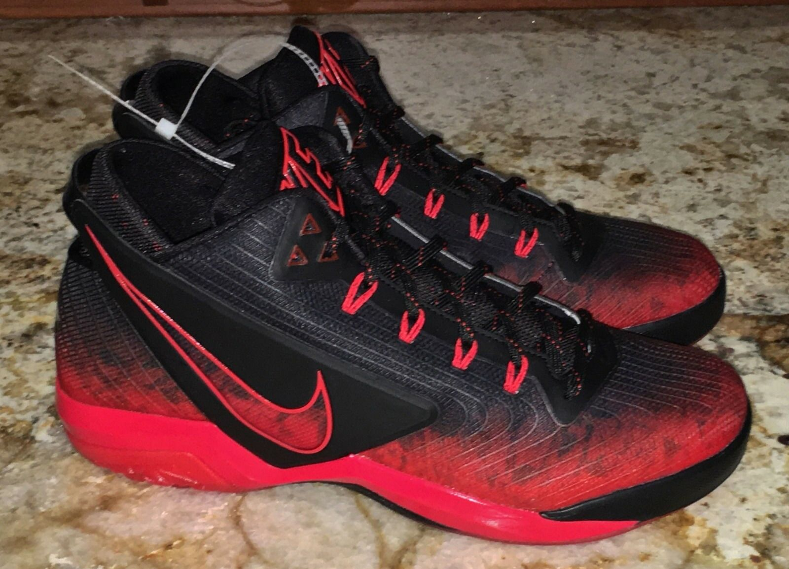 NIKE Field General Football Black Red Silver Training shoes NEW Mens Sz 10.5
