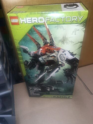 NEW LEGO 2233 Hero Factory Fangz Sealed