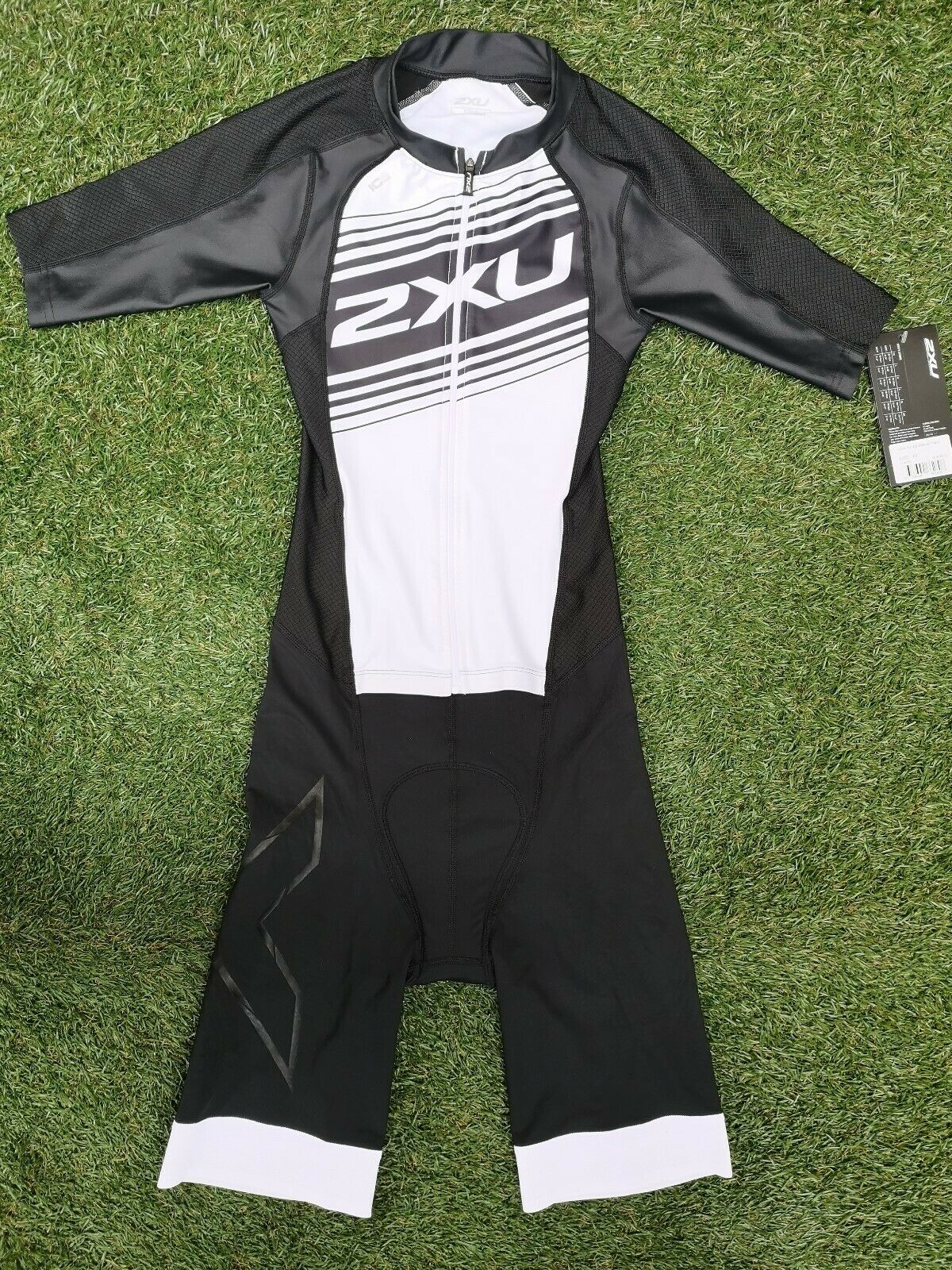 BNWT  2XU COMP FULL ZIP SLEEVED LONG COURSE COMPRESSION TRIATHLON TRI SUIT XS
