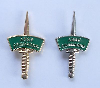 Commando Dagger Black 30mm Pin Badge