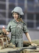 Royal Model 1/35 Call from My Boyfriend Israeli IDF Woman Tanker answer Cell 695
