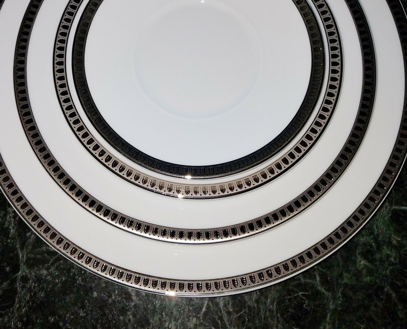 CHRISTOFLE MALMAISON Platine 4 pièces Place Setting Plate Set-New in Box