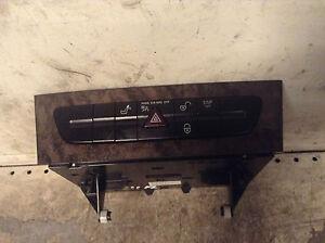 Console-MERCEDES-Pulsante-di-pericolo-e-Class-W211-Usato-originale-oem-2116801714