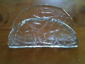 VINTAGE-LEAF-MOTIF-PRESSED-GLASS-LETTER-OR-NAPKIN-STAND-5-034-LONG