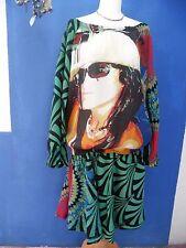 Créateur DESIGUAL jolie robe épaules dénudées Taille 42
