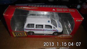 Majorette-Super-Maxi-Monospace-Police-1-32