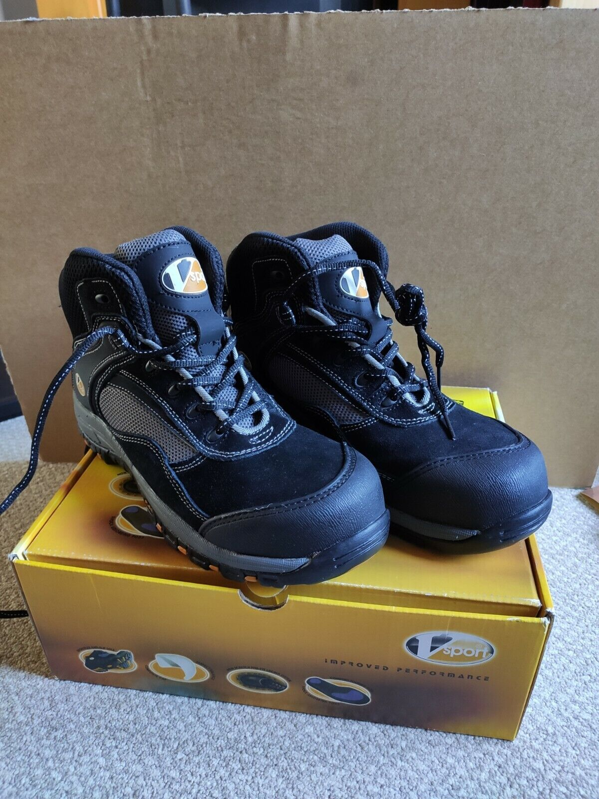 V12 Track Safety Boots UK 8 Composite Toe Cap Trainer Sports Boots VS360