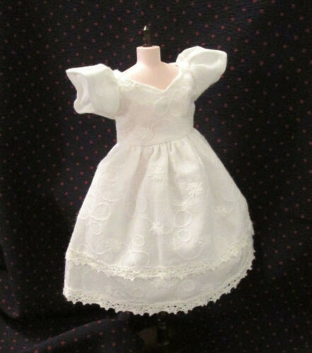 Blythe Doll Outfit Embroidery White Dress