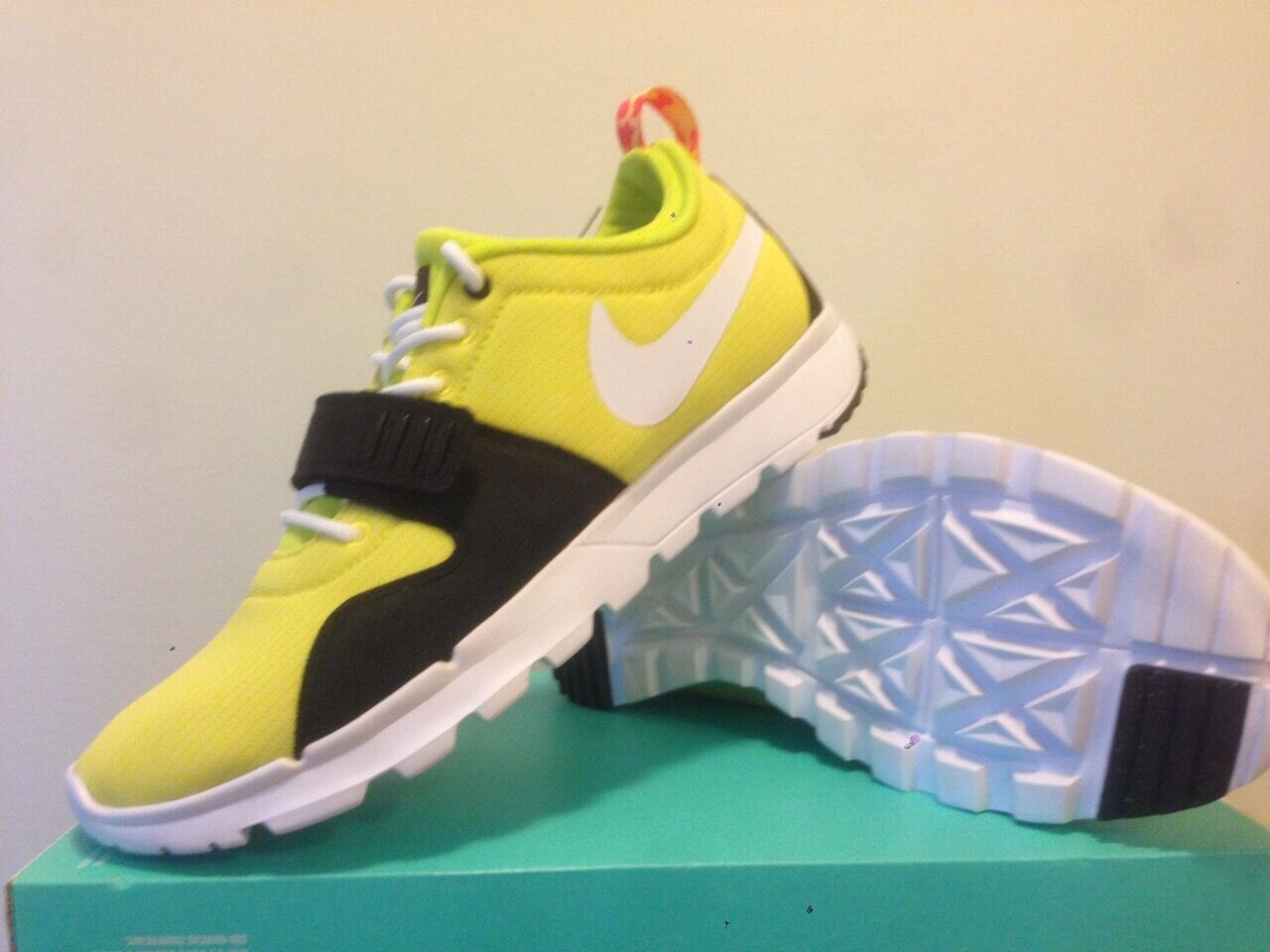 Nike Trainerdor SE  ( Yellow Black ) Mens Us Size 9.5 (no box cover )