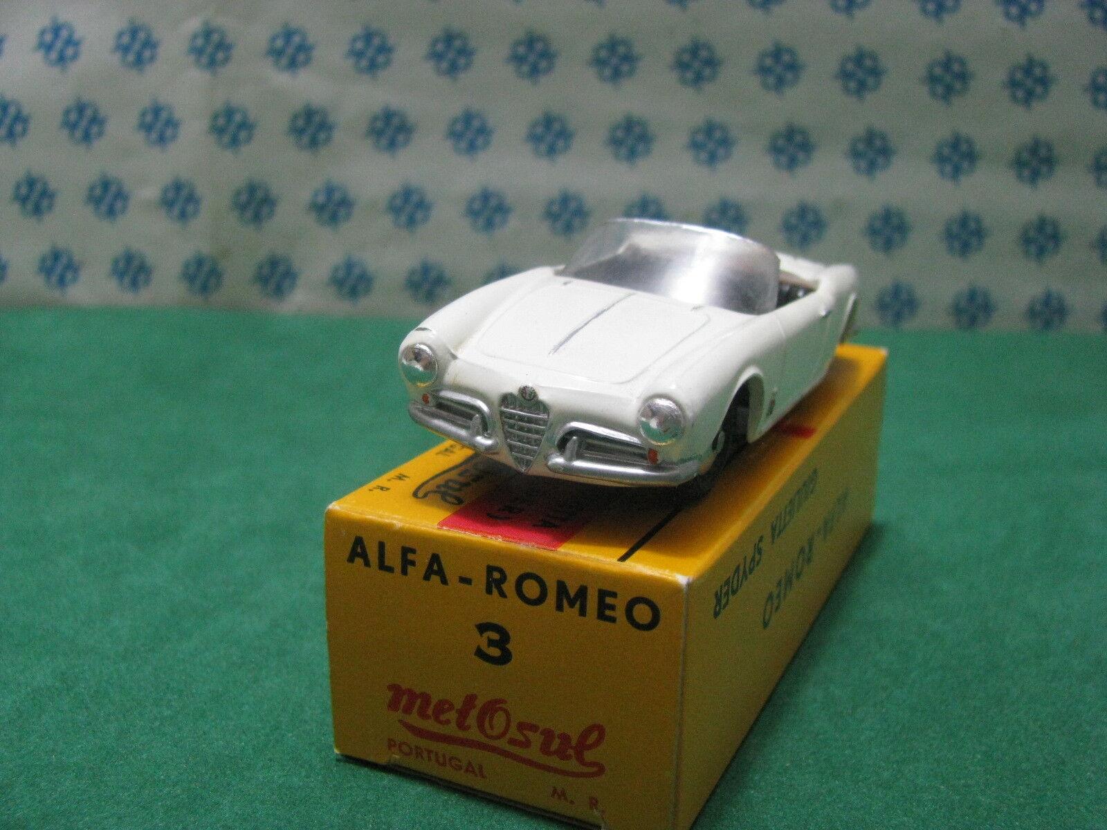 Vintage  -   ALFA ROMEO Giulietta Spyder  - 1 43  Metosul n°3   Portugal 1966