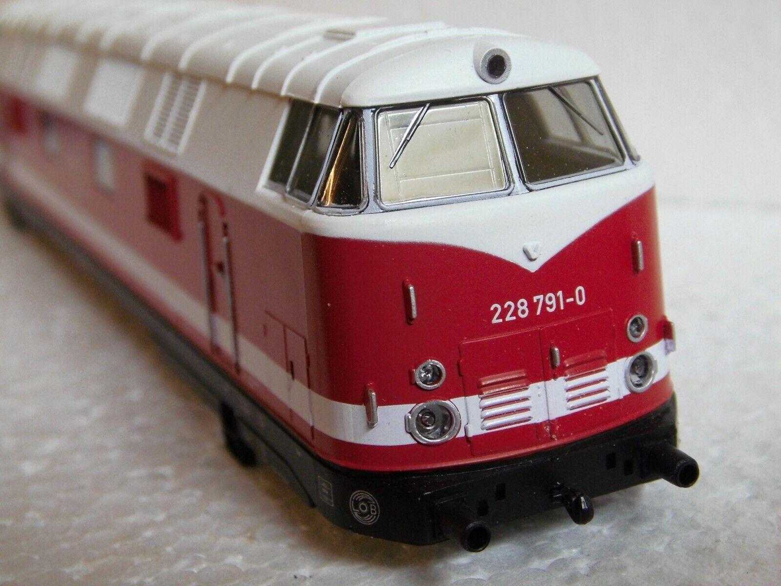 Gützold  Lokgehäuse  BR 228  - HO