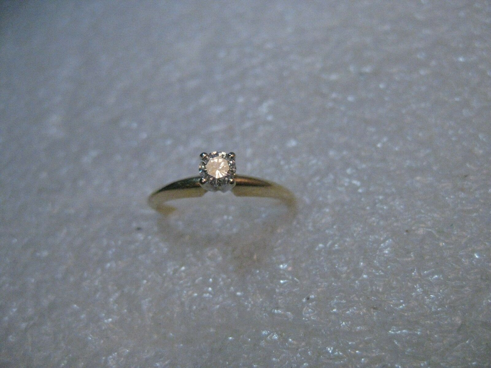 Vintage 14kt gold .20cw Diamond Engagement Ring, Round, Sz. 5, 1.63 gr.