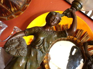 Superbe-ancien-lampe-a-petrole-statue-regule-emaille-Antique-Oil-Lamp-enamel