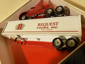 Details about Winross Request Foods Inc  Ford Aeromax Tractor Trailers 1:64  Scale Die Cast 61