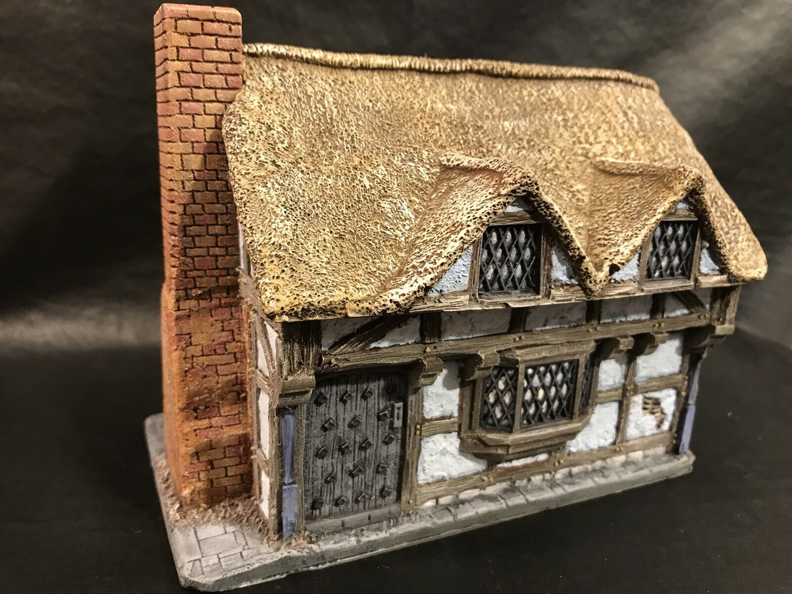 28mm Thatched Timber Framed House, By Grand Grand Grand Manner, Propainted, Dark Ages, BNIB a7d3ff