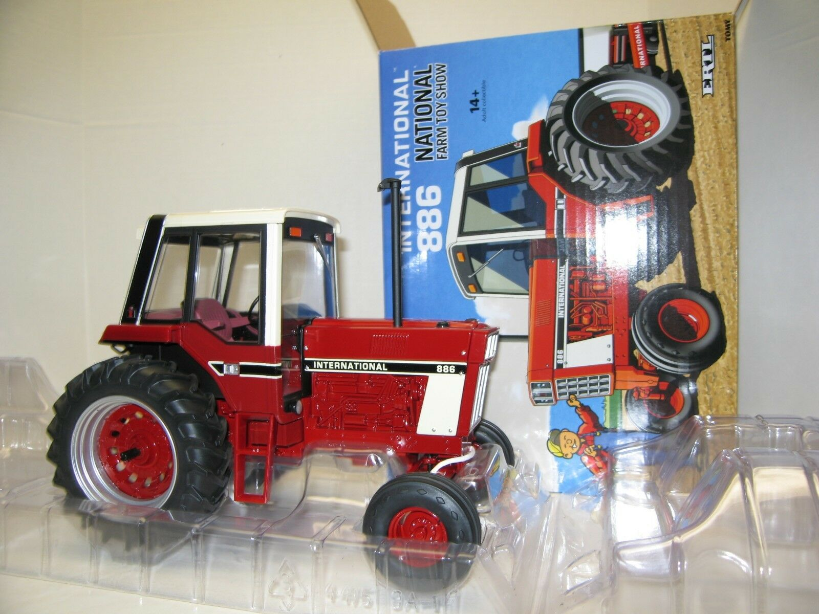 1 1 1 16 INTERNATIONAL 886 TOY FARMER NIB free shipping 2194c7