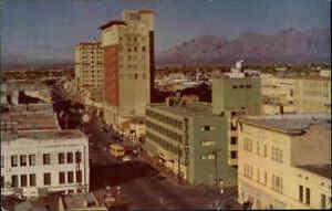 TUCSON-Arizona-Postcard-USA-1960-70-Street-View-near-Pueblo-Club-alte-Postkarte