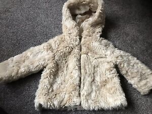 82aed870ac84 Baby Girl Fox Beige Faux Fur Coat 9-12 Months Zara Full Lining And ...
