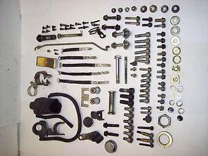 82-83-Honda-VF750-VF-750-C-700-V45-Cadre-Boulons-Materiel