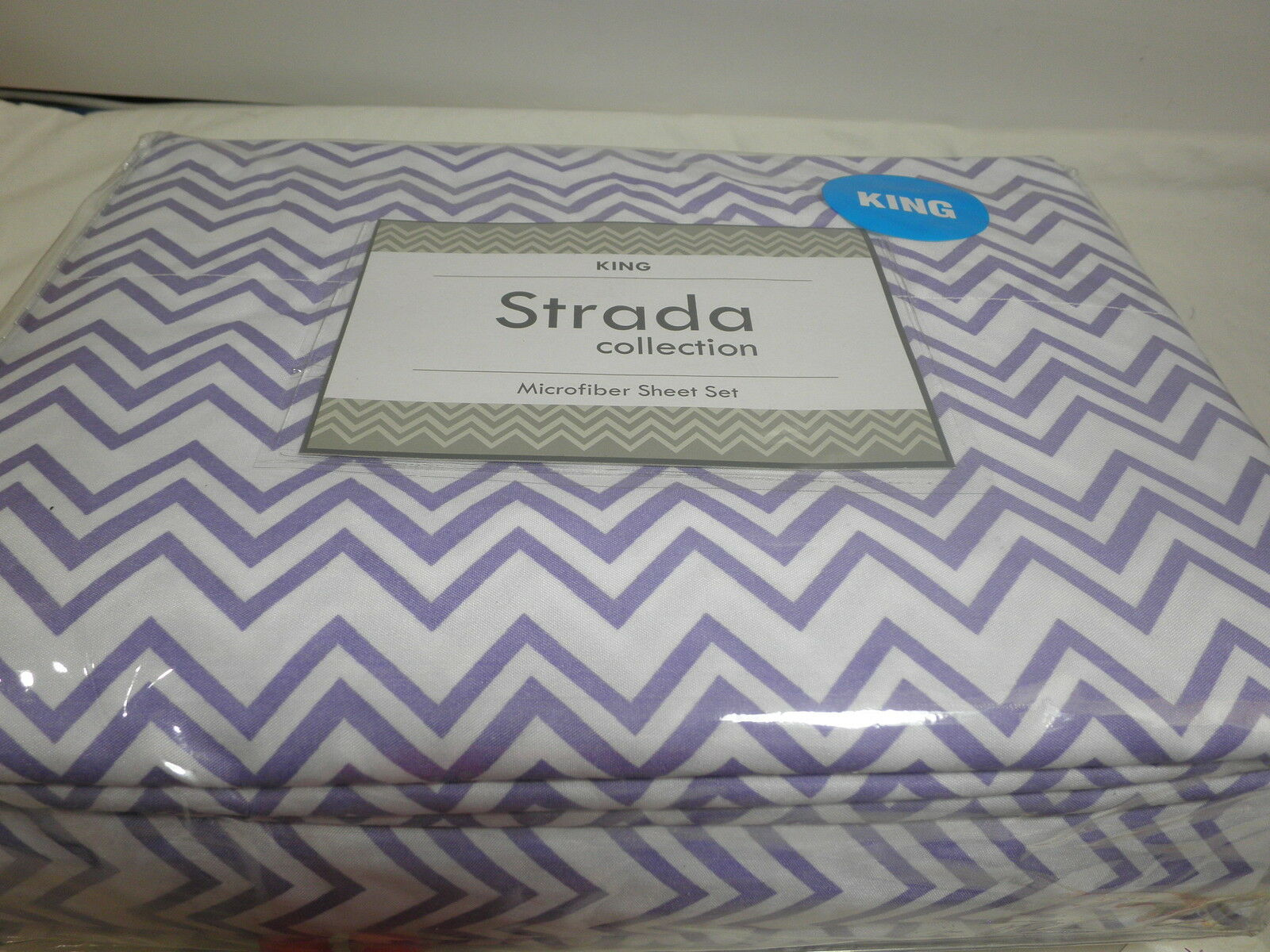 New Strada Collection Microfiber King Sheet Set - Purple and White Zig Zag NIP