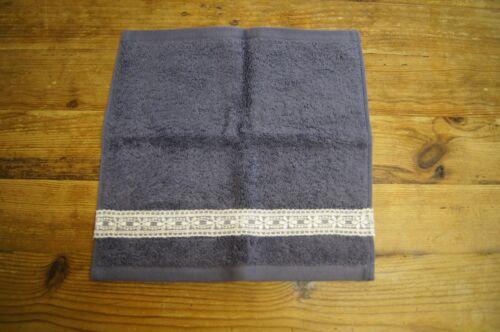 Fait main décoré Flanelle face Cloth acier bleu avec bordure en dentelle